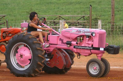 lorie_garland_allis_chalmers_C_hickory_nc_jul15_2006.jpg