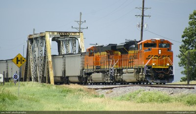 19eb_bnsf_9353_SD70ACe_elsberry_mo_jun07_2007.jpg