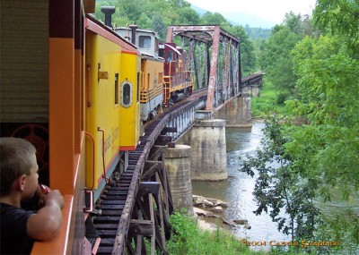 gsmr_1755_on_trestle_bryson_city_nc_aug8_2004.jpg